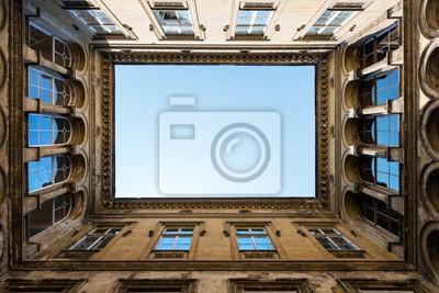 Постер-картина На потолок Открытый внутренний двор в БудапештеНа потолок<br>Постер на холсте или бумаге. Любого нужного вам размера. В раме или без. Подвес в комплекте. Трехслойная надежная упаковка. Доставим в любую точку России. Вам осталось только повесить картину на стену!<br>