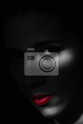 Художественный портрет красоты молодая женщина с творческой освещения, 20x30 см, на бумагеФотоэротика<br>Постер на холсте или бумаге. Любого нужного вам размера. В раме или без. Подвес в комплекте. Трехслойная надежная упаковка. Доставим в любую точку России. Вам осталось только повесить картину на стену!<br>