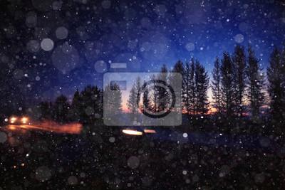 Постер Ночь Зимней ночной дороге снег фонНочь<br>Постер на холсте или бумаге. Любого нужного вам размера. В раме или без. Подвес в комплекте. Трехслойная надежная упаковка. Доставим в любую точку России. Вам осталось только повесить картину на стену!<br>