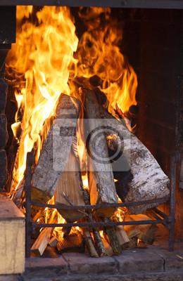Постер Огонь Текстуры пылающий огонь в камине. Каменный камин в загородном доме с огня, света живописи.Огонь<br>Постер на холсте или бумаге. Любого нужного вам размера. В раме или без. Подвес в комплекте. Трехслойная надежная упаковка. Доставим в любую точку России. Вам осталось только повесить картину на стену!<br>