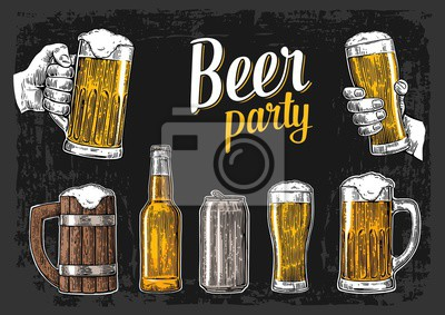 Постер Оформление офиса Две руки держат бокалы пивная кружка. Стекло, бутылки. Винтаж векторные иллюстрации для веб-гравюра, плакат, приглашение на вечеринку пиво. Изолированные на темном фоне, 28x20 см, на бумагеПивной ресторан<br>Постер на холсте или бумаге. Любого нужного вам размера. В раме или без. Подвес в комплекте. Трехслойная надежная упаковка. Доставим в любую точку России. Вам осталось только повесить картину на стену!<br>