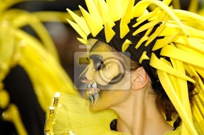Постер Карнавал в Рио-де-Жанейро Personnage de carnavalКарнавал в Рио-де-Жанейро<br>Постер на холсте или бумаге. Любого нужного вам размера. В раме или без. Подвес в комплекте. Трехслойная надежная упаковка. Доставим в любую точку России. Вам осталось только повесить картину на стену!<br>