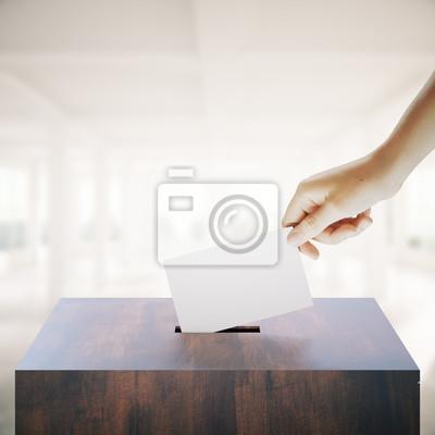Постер Деятельность Рука решающего голоса в интерьере, 20x20 см, на бумагеВыборы, голосование<br>Постер на холсте или бумаге. Любого нужного вам размера. В раме или без. Подвес в комплекте. Трехслойная надежная упаковка. Доставим в любую точку России. Вам осталось только повесить картину на стену!<br>