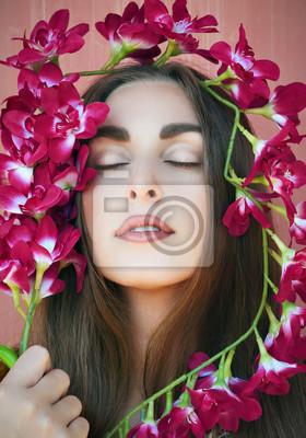 Постер Фиалки Красивая девушка в окружении фиолетовых орхидейФиалки<br>Постер на холсте или бумаге. Любого нужного вам размера. В раме или без. Подвес в комплекте. Трехслойная надежная упаковка. Доставим в любую точку России. Вам осталось только повесить картину на стену!<br>