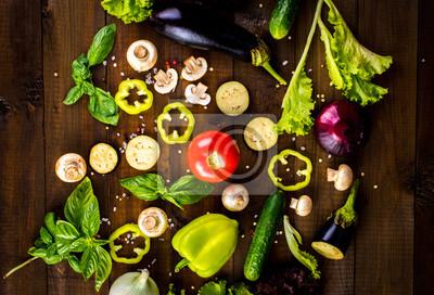 Различные свежие овощи из сада на деревянном столе., 29x20 см, на бумагеДиетология<br>Постер на холсте или бумаге. Любого нужного вам размера. В раме или без. Подвес в комплекте. Трехслойная надежная упаковка. Доставим в любую точку России. Вам осталось только повесить картину на стену!<br>
