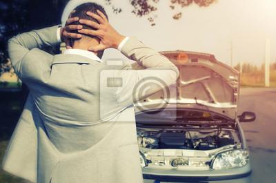 Поломки транспортного средства. Машина сломалась. Человек, глядя на разбитую машину, не зная, что делать. Автосервис/ службы эвакуаторов. , 30x20 см, на бумагеАвтосервис<br>Постер на холсте или бумаге. Любого нужного вам размера. В раме или без. Подвес в комплекте. Трехслойная надежная упаковка. Доставим в любую точку России. Вам осталось только повесить картину на стену!<br>