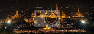 Постер Таиланд Большой Дворец ТаиландаТаиланд<br>Постер на холсте или бумаге. Любого нужного вам размера. В раме или без. Подвес в комплекте. Трехслойная надежная упаковка. Доставим в любую точку России. Вам осталось только повесить картину на стену!<br>