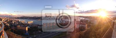 Постер Владивосток Новый вантовый мост во Владивостоке - панорамный вид на город и море на закате. Грандиозное современное здание. Панорама вечернего Владивостока, России, Приморском крае.Владивосток<br>Постер на холсте или бумаге. Любого нужного вам размера. В раме или без. Подвес в комплекте. Трехслойная надежная упаковка. Доставим в любую точку России. Вам осталось только повесить картину на стену!<br>