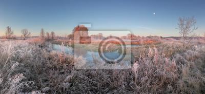 Постер Утро Осенний пейзаж морозное утроУтро<br>Постер на холсте или бумаге. Любого нужного вам размера. В раме или без. Подвес в комплекте. Трехслойная надежная упаковка. Доставим в любую точку России. Вам осталось только повесить картину на стену!<br>