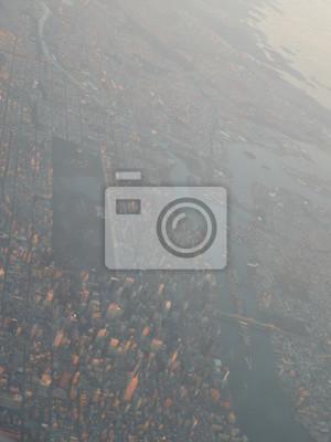 Постер Дождь Удивительный вид на Нью-ЙоркДождь<br>Постер на холсте или бумаге. Любого нужного вам размера. В раме или без. Подвес в комплекте. Трехслойная надежная упаковка. Доставим в любую точку России. Вам осталось только повесить картину на стену!<br>