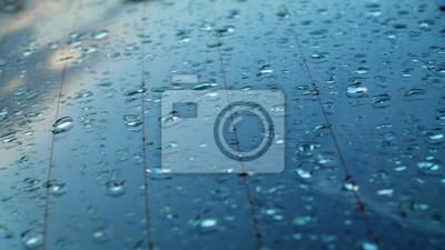 Постер Дождь Капли дождя на заднем стекле автомобиляДождь<br>Постер на холсте или бумаге. Любого нужного вам размера. В раме или без. Подвес в комплекте. Трехслойная надежная упаковка. Доставим в любую точку России. Вам осталось только повесить картину на стену!<br>