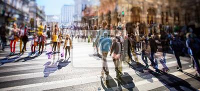 Постер Занят Пешеходный переход по зебре на солнечный день в городе , 44x20 см, на бумагеПанорамные виды городов (улицы, люди, машины)<br>Постер на холсте или бумаге. Любого нужного вам размера. В раме или без. Подвес в комплекте. Трехслойная надежная упаковка. Доставим в любую точку России. Вам осталось только повесить картину на стену!<br>