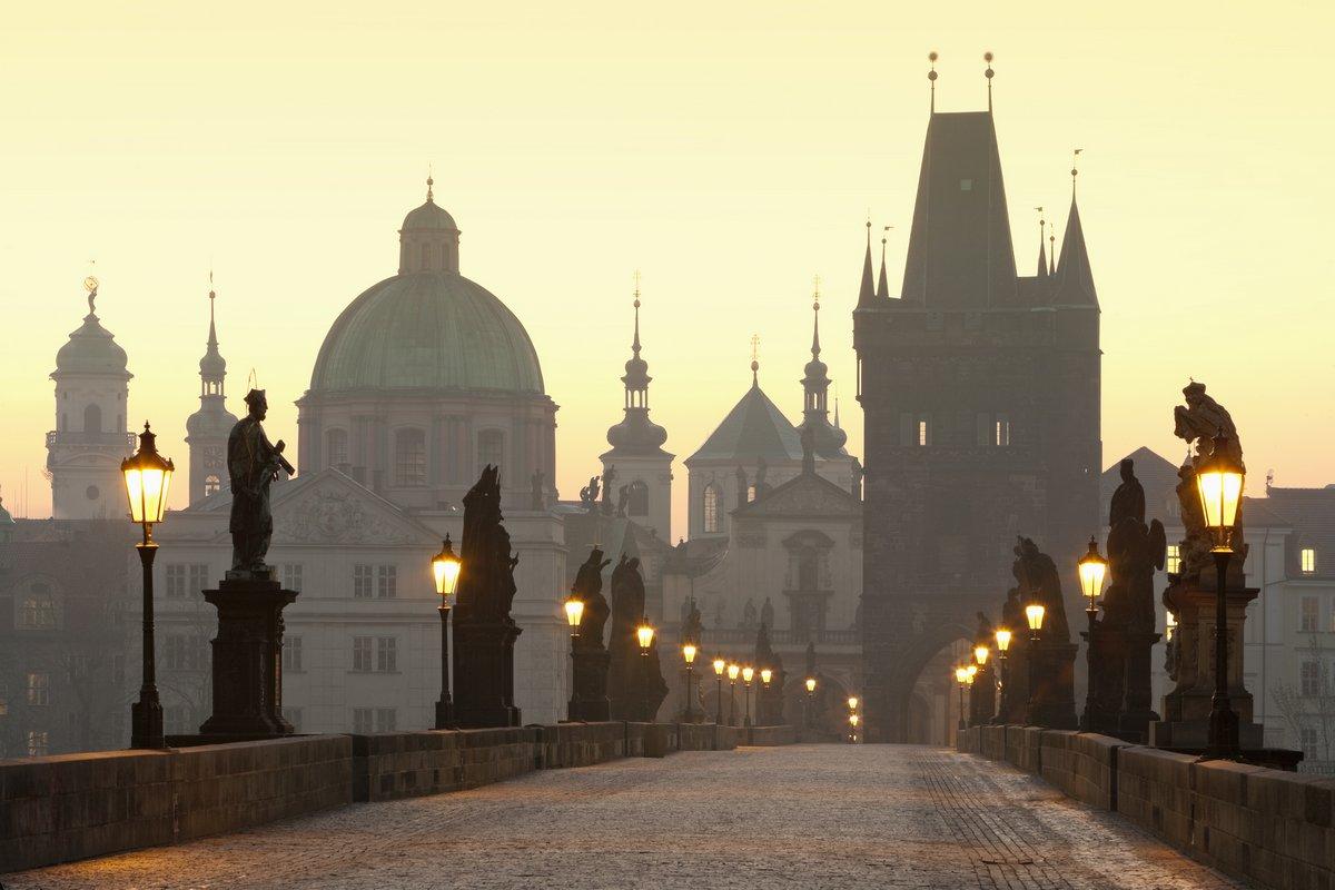 Постер Прага Прага Карлов мостПрага<br>Постер на холсте или бумаге. Любого нужного вам размера. В раме или без. Подвес в комплекте. Трехслойная надежная упаковка. Доставим в любую точку России. Вам осталось только повесить картину на стену!<br>