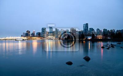 Постер Города и карты Ванкувер Skyline Канада, 32x20 см, на бумагеВанкувер<br>Постер на холсте или бумаге. Любого нужного вам размера. В раме или без. Подвес в комплекте. Трехслойная надежная упаковка. Доставим в любую точку России. Вам осталось только повесить картину на стену!<br>