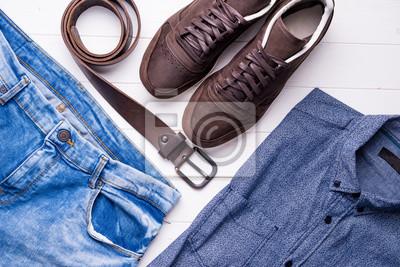 Синий мужской джинсы и рубашка с коричневым поясом и туфли, сверху, 30x20 см, на бумагеШоппинг<br>Постер на холсте или бумаге. Любого нужного вам размера. В раме или без. Подвес в комплекте. Трехслойная надежная упаковка. Доставим в любую точку России. Вам осталось только повесить картину на стену!<br>