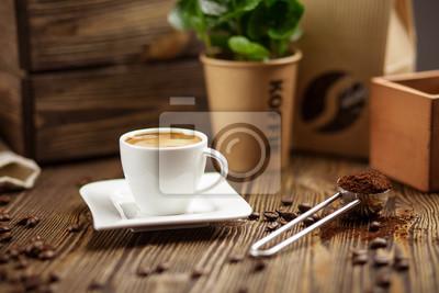 Чашка кофе эспрессо, 30x20 см, на бумагеРесторан, кафе<br>Постер на холсте или бумаге. Любого нужного вам размера. В раме или без. Подвес в комплекте. Трехслойная надежная упаковка. Доставим в любую точку России. Вам осталось только повесить картину на стену!<br>