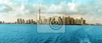 Постер Города и карты Торонто панорама, 48x20 см, на бумагеТоронто<br>Постер на холсте или бумаге. Любого нужного вам размера. В раме или без. Подвес в комплекте. Трехслойная надежная упаковка. Доставим в любую точку России. Вам осталось только повесить картину на стену!<br>
