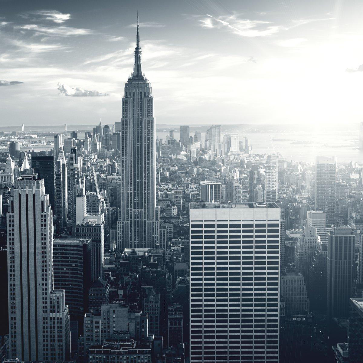Потрясающий вид на Нью-Йорк Манхеттен на закате, 20x20 см, на бумагеНебоскребы<br>Постер на холсте или бумаге. Любого нужного вам размера. В раме или без. Подвес в комплекте. Трехслойная надежная упаковка. Доставим в любую точку России. Вам осталось только повесить картину на стену!<br>