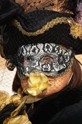 Постер Праздники Венецианский Карнавал Masks_0055, 20x30 см, на бумагеКарнавал в Венеции<br>Постер на холсте или бумаге. Любого нужного вам размера. В раме или без. Подвес в комплекте. Трехслойная надежная упаковка. Доставим в любую точку России. Вам осталось только повесить картину на стену!<br>