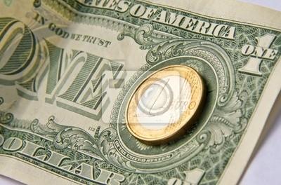 Евро и доллар, 30x20 см, на бумагеДеньги и финансы<br>Постер на холсте или бумаге. Любого нужного вам размера. В раме или без. Подвес в комплекте. Трехслойная надежная упаковка. Доставим в любую точку России. Вам осталось только повесить картину на стену!<br>