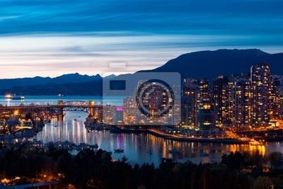 Постер Ванкувер Ванкувер SkylineВанкувер<br>Постер на холсте или бумаге. Любого нужного вам размера. В раме или без. Подвес в комплекте. Трехслойная надежная упаковка. Доставим в любую точку России. Вам осталось только повесить картину на стену!<br>