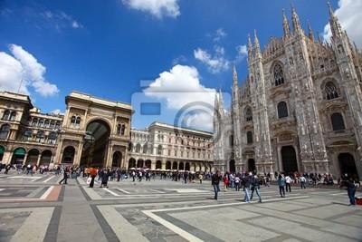 Постер Милан Площади Дуомо (Piazza del Duomo)Милан<br>Постер на холсте или бумаге. Любого нужного вам размера. В раме или без. Подвес в комплекте. Трехслойная надежная упаковка. Доставим в любую точку России. Вам осталось только повесить картину на стену!<br>