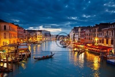 Постер Города и карты Гранд-Канал на ночь, Венеция, 30x20 см, на бумагеВенеция<br>Постер на холсте или бумаге. Любого нужного вам размера. В раме или без. Подвес в комплекте. Трехслойная надежная упаковка. Доставим в любую точку России. Вам осталось только повесить картину на стену!<br>