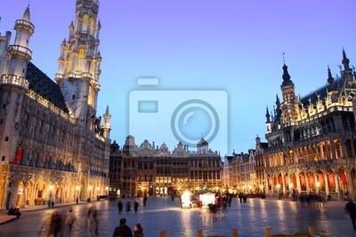 Постер Брюссель - Гранд-Плас Groote Markt Брюссель, Бельгия ЕвропыБрюссель<br>Постер на холсте или бумаге. Любого нужного вам размера. В раме или без. Подвес в комплекте. Трехслойная надежная упаковка. Доставим в любую точку России. Вам осталось только повесить картину на стену!<br>