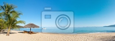 Постер Пейзажи Тропический пляж панорама, 56x20 см, на бумагеАфриканский пейзаж<br>Постер на холсте или бумаге. Любого нужного вам размера. В раме или без. Подвес в комплекте. Трехслойная надежная упаковка. Доставим в любую точку России. Вам осталось только повесить картину на стену!<br>
