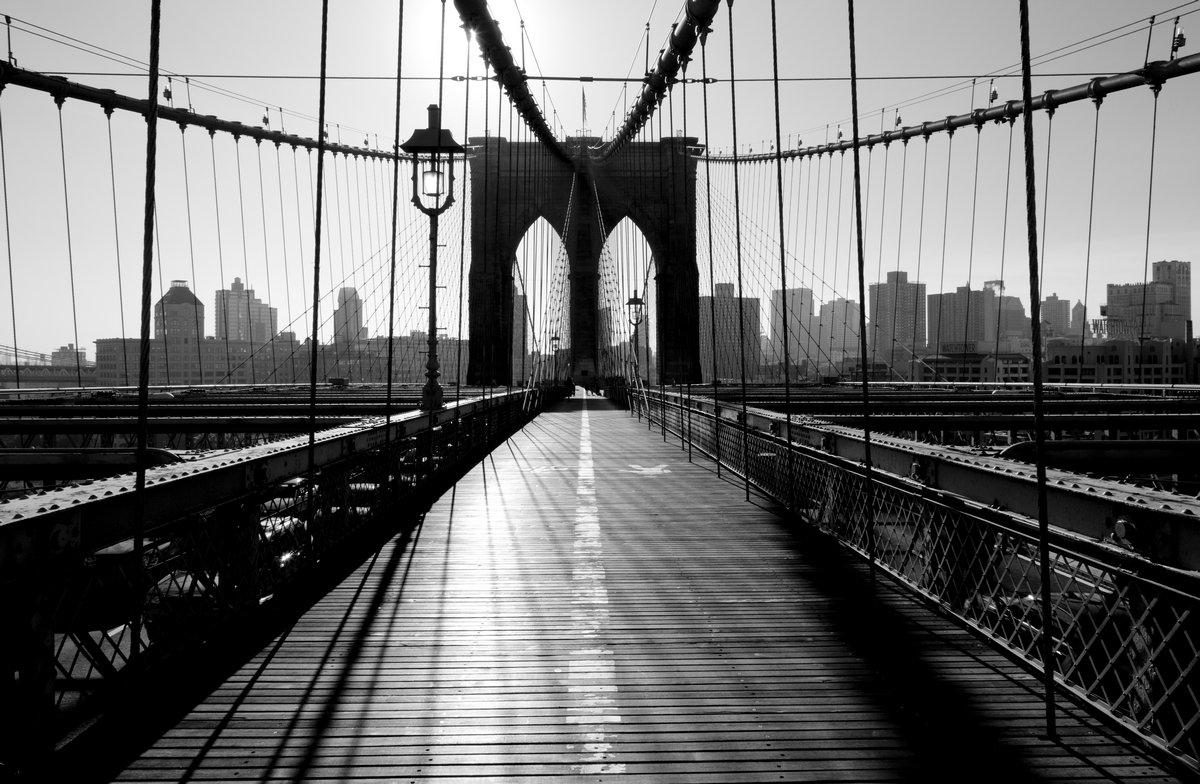 Постер Нью-Йорк Бруклинский Мост, Манхэттен, Нью-Йорк, СШАНью-Йорк<br>Постер на холсте или бумаге. Любого нужного вам размера. В раме или без. Подвес в комплекте. Трехслойная надежная упаковка. Доставим в любую точку России. Вам осталось только повесить картину на стену!<br>