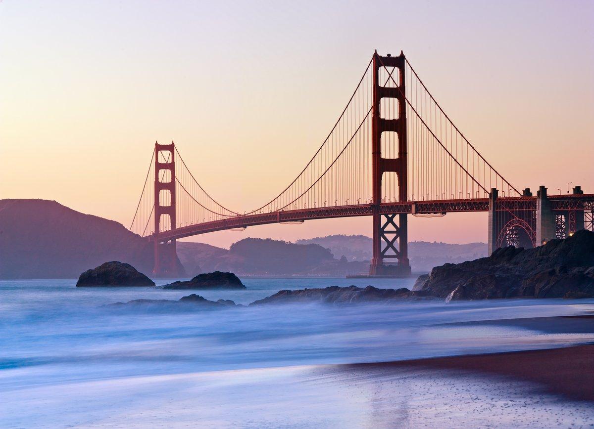 Постер Сан-Франциско Сан-Франциско-Мост  золотые Ворота  в СумеркахСан-Франциско<br>Постер на холсте или бумаге. Любого нужного вам размера. В раме или без. Подвес в комплекте. Трехслойная надежная упаковка. Доставим в любую точку России. Вам осталось только повесить картину на стену!<br>
