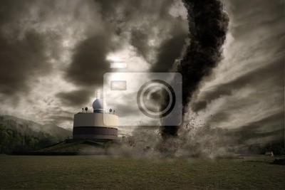 Постер Ураган, буря, торнадо Большие торнадо над метео станцияУраган, буря, торнадо<br>Постер на холсте или бумаге. Любого нужного вам размера. В раме или без. Подвес в комплекте. Трехслойная надежная упаковка. Доставим в любую точку России. Вам осталось только повесить картину на стену!<br>