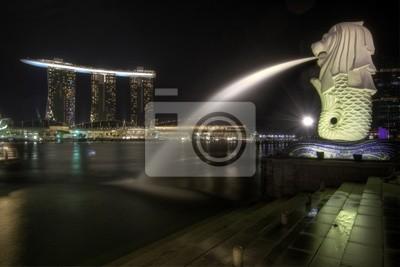 Постер Сингапур Сингапур-Город в Merlion Park 2Сингапур<br>Постер на холсте или бумаге. Любого нужного вам размера. В раме или без. Подвес в комплекте. Трехслойная надежная упаковка. Доставим в любую точку России. Вам осталось только повесить картину на стену!<br>