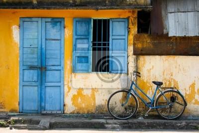 Постер Ханой Велосипед, и синее окноХаной<br>Постер на холсте или бумаге. Любого нужного вам размера. В раме или без. Подвес в комплекте. Трехслойная надежная упаковка. Доставим в любую точку России. Вам осталось только повесить картину на стену!<br>