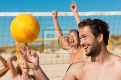 Постер Волейбол Друзей, играющих Пляжный волейболВолейбол<br>Постер на холсте или бумаге. Любого нужного вам размера. В раме или без. Подвес в комплекте. Трехслойная надежная упаковка. Доставим в любую точку России. Вам осталось только повесить картину на стену!<br>