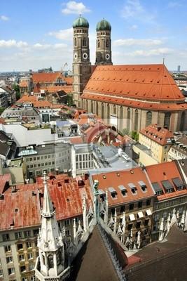 Постер Мюнхен Панорамный вид на город и Кафедральный собор Богоматери, Мюнхен, ГерманияМюнхен<br>Постер на холсте или бумаге. Любого нужного вам размера. В раме или без. Подвес в комплекте. Трехслойная надежная упаковка. Доставим в любую точку России. Вам осталось только повесить картину на стену!<br>