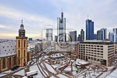 Постер Франкфурт Вид на небоскребы Франкфурта с Hauptwache и небоскреб ухоФранкфурт<br>Постер на холсте или бумаге. Любого нужного вам размера. В раме или без. Подвес в комплекте. Трехслойная надежная упаковка. Доставим в любую точку России. Вам осталось только повесить картину на стену!<br>