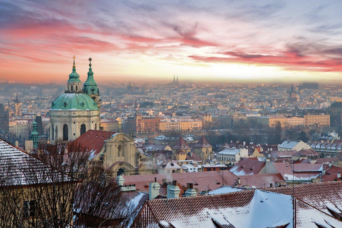 Постер Прага Панорамы Праги с красивый закатПрага<br>Постер на холсте или бумаге. Любого нужного вам размера. В раме или без. Подвес в комплекте. Трехслойная надежная упаковка. Доставим в любую точку России. Вам осталось только повесить картину на стену!<br>
