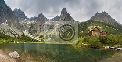Постер Страны Зеленое озеро в горах, 39x20 см, на бумагеСловакия<br>Постер на холсте или бумаге. Любого нужного вам размера. В раме или без. Подвес в комплекте. Трехслойная надежная упаковка. Доставим в любую точку России. Вам осталось только повесить картину на стену!<br>