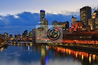 Постер Мельбурн Центре Мельбурна, на ночь, Yarra riverМельбурн<br>Постер на холсте или бумаге. Любого нужного вам размера. В раме или без. Подвес в комплекте. Трехслойная надежная упаковка. Доставим в любую точку России. Вам осталось только повесить картину на стену!<br>