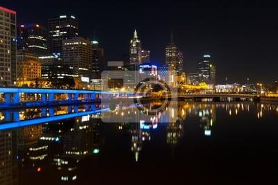 Постер Мельбурн Центр города Мельбурна ночьюМельбурн<br>Постер на холсте или бумаге. Любого нужного вам размера. В раме или без. Подвес в комплекте. Трехслойная надежная упаковка. Доставим в любую точку России. Вам осталось только повесить картину на стену!<br>