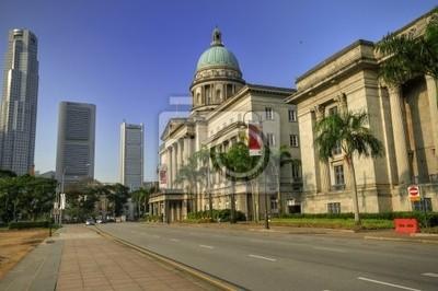 Постер Сингапур Старый Верховный Суд с видом на Сингапур CBD skylineСингапур<br>Постер на холсте или бумаге. Любого нужного вам размера. В раме или без. Подвес в комплекте. Трехслойная надежная упаковка. Доставим в любую точку России. Вам осталось только повесить картину на стену!<br>