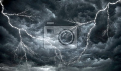 Постер Ураган, буря, торнадо Темные, зловещие тучи и молнииУраган, буря, торнадо<br>Постер на холсте или бумаге. Любого нужного вам размера. В раме или без. Подвес в комплекте. Трехслойная надежная упаковка. Доставим в любую точку России. Вам осталось только повесить картину на стену!<br>