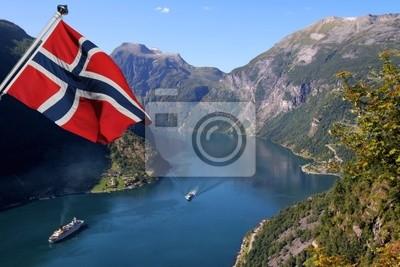 Постер Норвегия Фьорд в Норвегии (всемирное Наследие ЮНЕСКО)Норвегия<br>Постер на холсте или бумаге. Любого нужного вам размера. В раме или без. Подвес в комплекте. Трехслойная надежная упаковка. Доставим в любую точку России. Вам осталось только повесить картину на стену!<br>