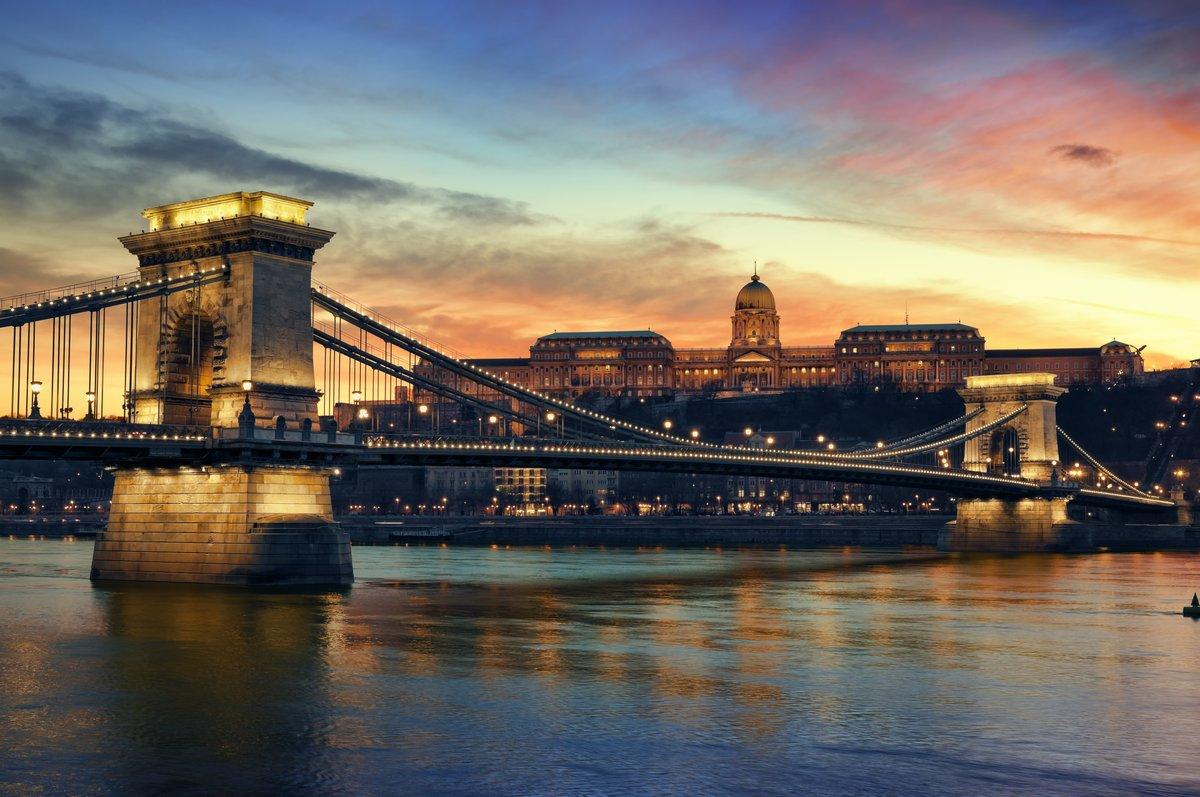 Постер Будапешт Будапешт на закате.Будапешт<br>Постер на холсте или бумаге. Любого нужного вам размера. В раме или без. Подвес в комплекте. Трехслойная надежная упаковка. Доставим в любую точку России. Вам осталось только повесить картину на стену!<br>