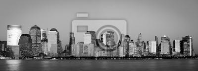 Постер Нью-Йорк Manhattan Финансового Района из Джерси-СитиНью-Йорк<br>Постер на холсте или бумаге. Любого нужного вам размера. В раме или без. Подвес в комплекте. Трехслойная надежная упаковка. Доставим в любую точку России. Вам осталось только повесить картину на стену!<br>