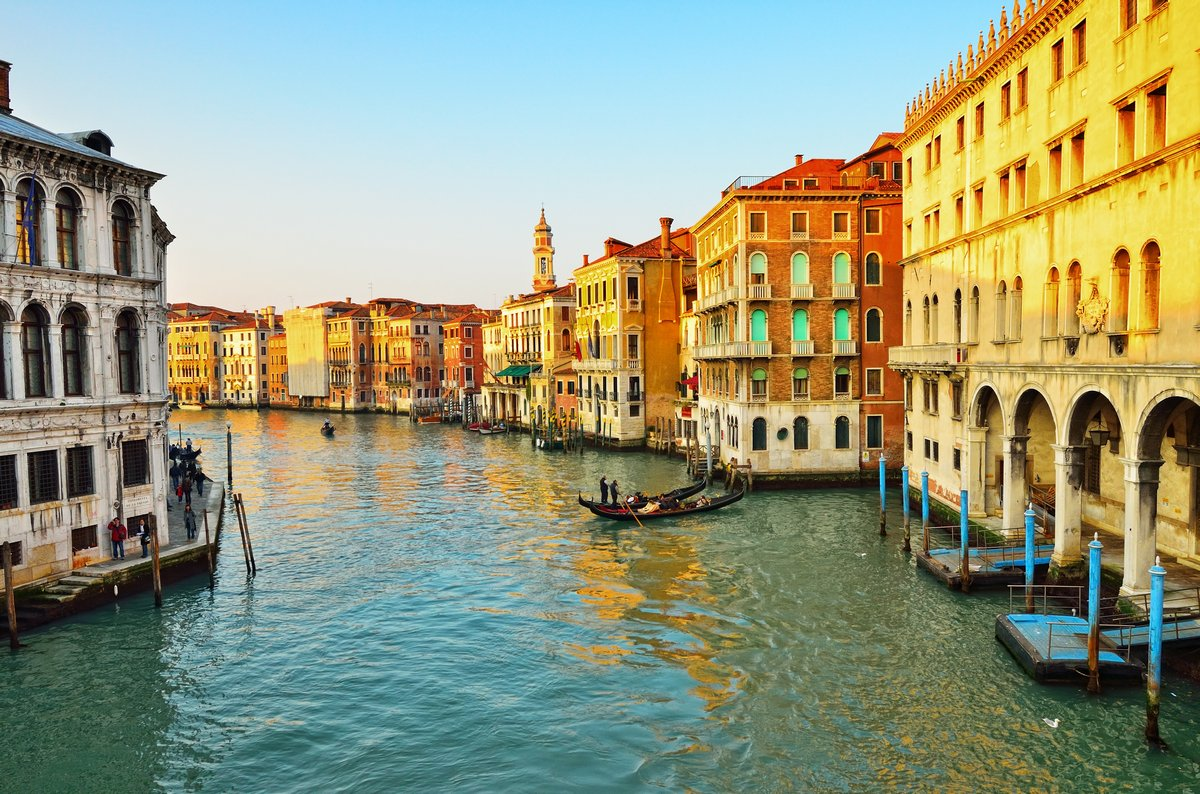 Постер Венеция Венеция, Гранд-каналВенеция<br>Постер на холсте или бумаге. Любого нужного вам размера. В раме или без. Подвес в комплекте. Трехслойная надежная упаковка. Доставим в любую точку России. Вам осталось только повесить картину на стену!<br>