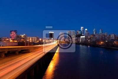 Постер Филадельфия Филадельфия Skyline ночьюФиладельфия<br>Постер на холсте или бумаге. Любого нужного вам размера. В раме или без. Подвес в комплекте. Трехслойная надежная упаковка. Доставим в любую точку России. Вам осталось только повесить картину на стену!<br>