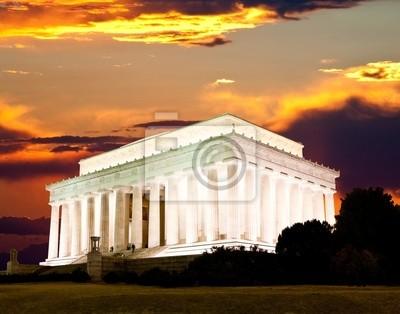 Постер Вашингтон Мемориал Линкольна в ВашингтонеВашингтон<br>Постер на холсте или бумаге. Любого нужного вам размера. В раме или без. Подвес в комплекте. Трехслойная надежная упаковка. Доставим в любую точку России. Вам осталось только повесить картину на стену!<br>
