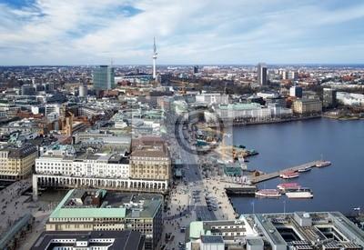 Постер Гамбург Вид на Гамбург, озеро Binnenalster и телевизионная Башня, ГерманияГамбург<br>Постер на холсте или бумаге. Любого нужного вам размера. В раме или без. Подвес в комплекте. Трехслойная надежная упаковка. Доставим в любую точку России. Вам осталось только повесить картину на стену!<br>